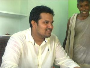 eeraastram-chowdari-sateesh-4